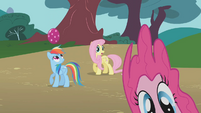 Pinkie Pie sliding off the screen S01E07