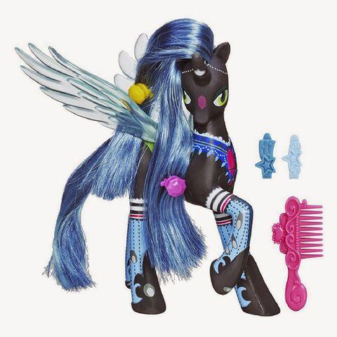 File:Queen Chrysalis Ponymania talking pony doll.jpg
