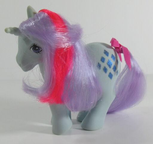 File:Sparkler toy.jpg