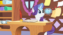 Rarity levitating the box S4E08
