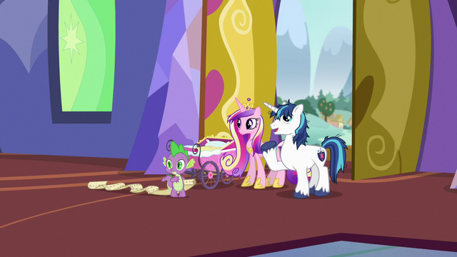 """File:Shining Armor """"we'll just put Flurry's things over here"""" S7E3.png"""