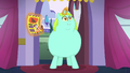 Incidental Pony enters Canterlot Carousel S5E14.png