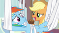 Applejack holding apple brown betty S4E10.png