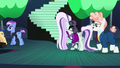 """Svengallop """"Oh, my shining star!"""" S5E24.png"""