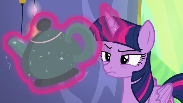 File:Twilight Sparkle inspecting the teapot S6E22.png