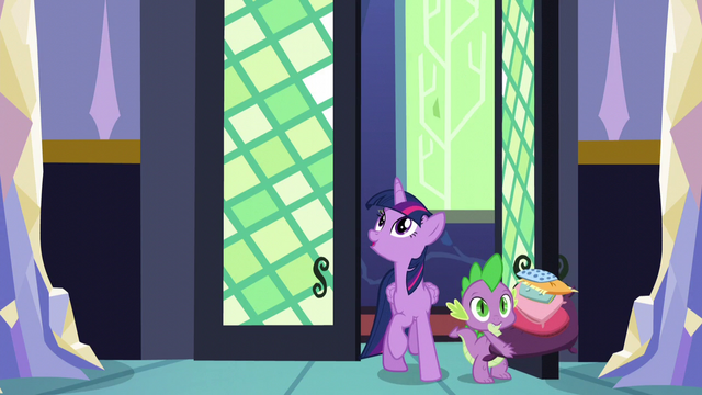 File:Twilight and Spike arrive home S5E03.png