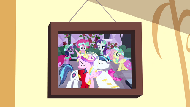 File:Photo of Canterlot wedding 1 S4E12.png