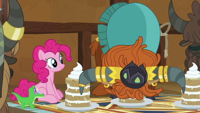 File:Prince Rutherford eating a yak cake in one bite S7E11.png