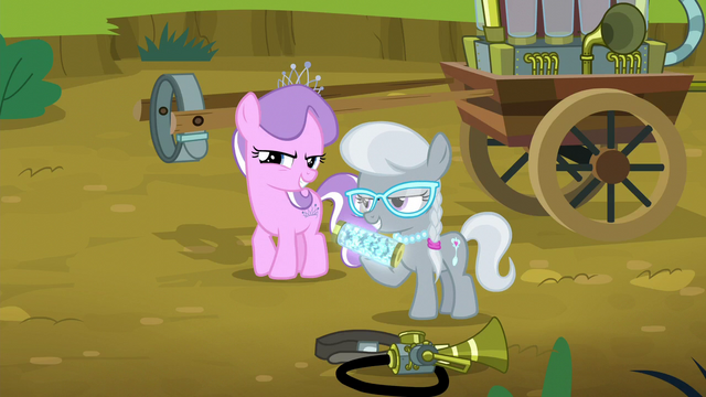 File:Diamond Tiara and Silver Spoon appear S5E4.png