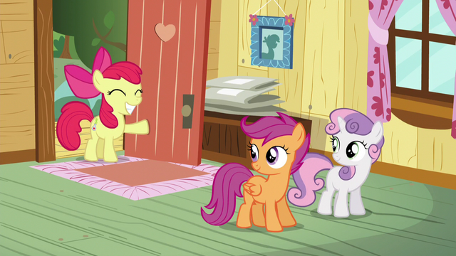 File:Apple Bloom arrives at the clubhouse S5E4.png