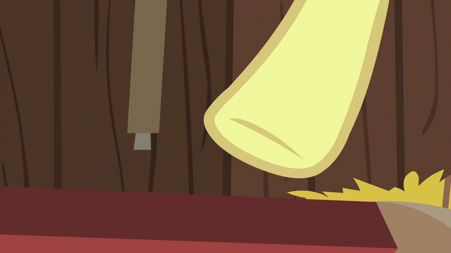 File:Derby cart falls apart under Apple Bloom S6E14.png
