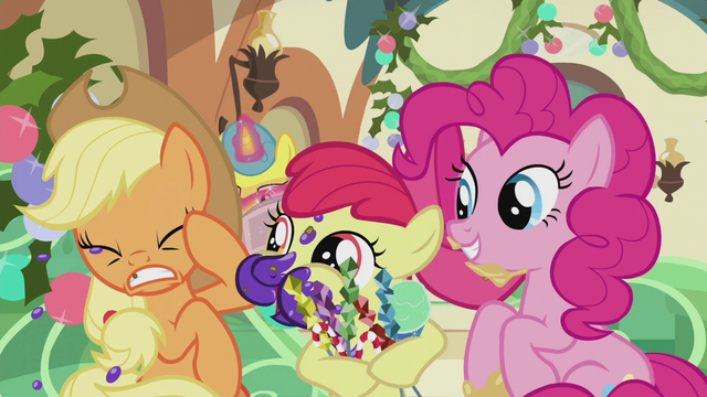 File:Apple Bloom spitting food chunks at AJ S5E20.png