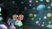 Pinkie and Maud enter the gem cave S7E4