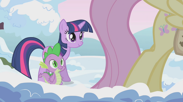 File:Twilight and Spike approach Fluttershy S1E11.png