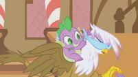 Spike blindfolding Gilda S1E05