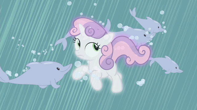 File:Sweetie Belle surrounded by dolphins S4E19.png