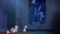 Rarity finds large Luna tapestry S4E03.png