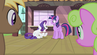 Rarity freaks out S4E13