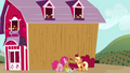 Applejack barn 2 S2E18.png