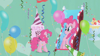 Pinkie in front of fun house mirror S1E03