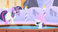 Twilight joins Rarity in the spa S1E20