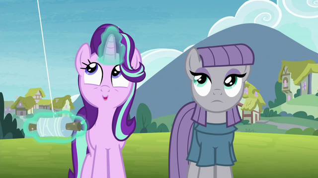 File:Starlight Glimmer happily flying a kite S7E4.png