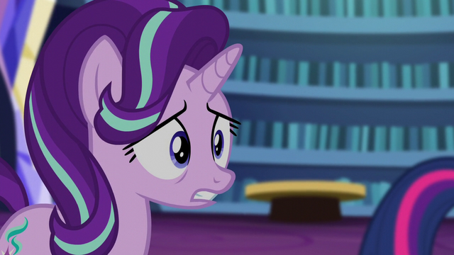 File:Starlight getting nervous S6E1.png