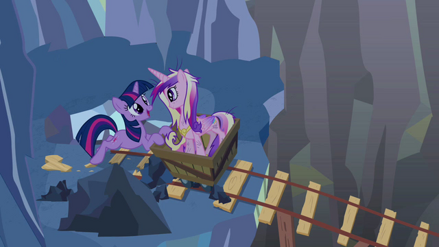 "File:Twilight and Cadance ""I'll be there very soon"" S2E26.png"