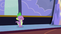 """Spike """"the fastest way to get mail!"""" S6E25"""