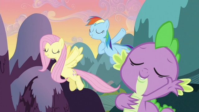 File:Spike, Rainbow Dash and Fluttershy singing S3E2.png