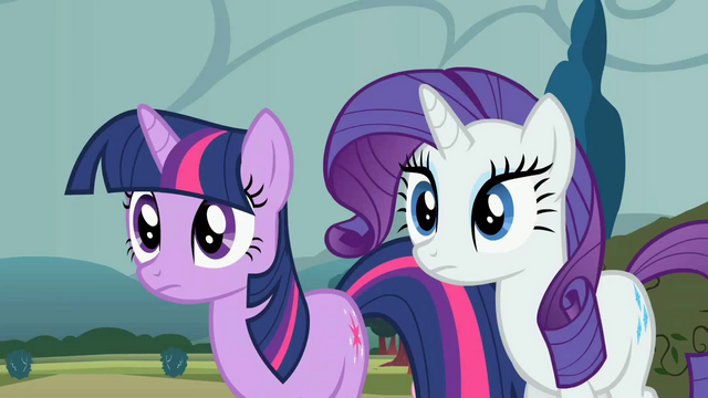 File:Twilight and Rarity before losing horns S2E1.png