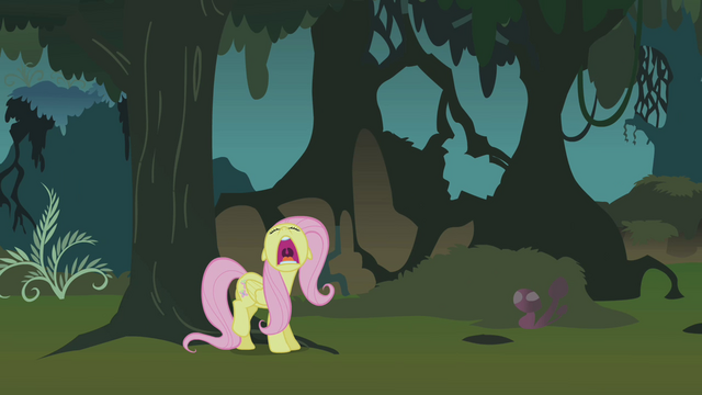 File:Fluttershy freaks out in the Everfree forest S1E17.png