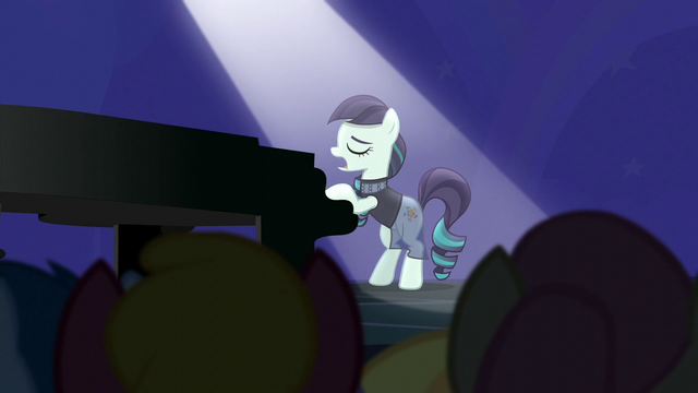 "File:Rara sings ""more to me than glitz and glam"" S5E24.png"