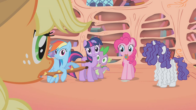 File:Apple Teeny addresses her friends for the first time S1E09.png