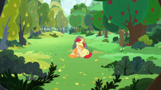 File:Bright Mac and Pear Butter in a sad hug S7E13.png