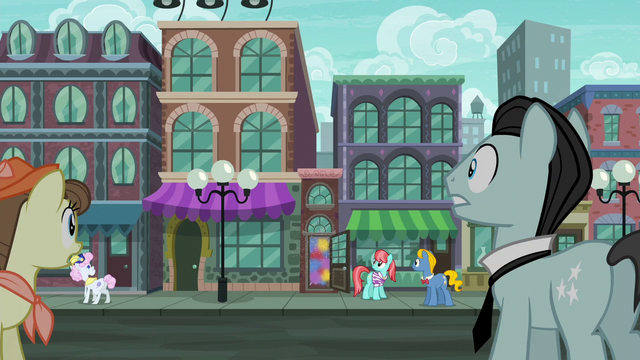 File:Manehattanites hear the party cannon fire S6E3.png