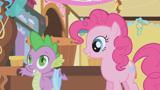 File:Spike holding a blindfold S1E05.png