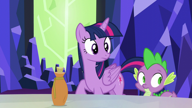 File:Twilight and Spike look at Fluttershy S5E22.png