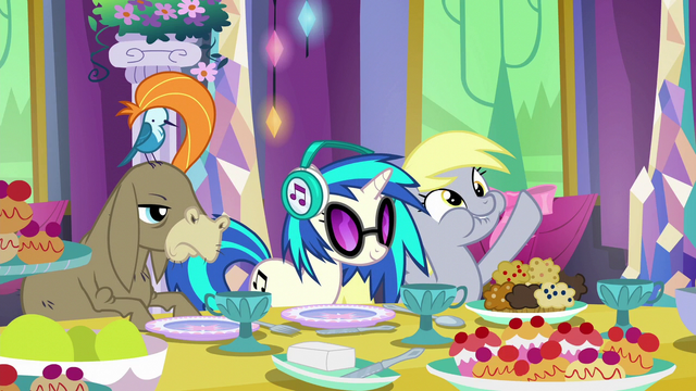 File:Cranky, DJ Pon-3, and Derpy at the table S6E6.png