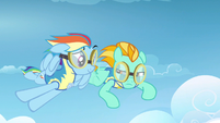 Rainbow Dash can still fly S3E7