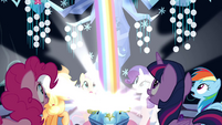 The Mane 6 sees a rainbow coming out of the chest S4E26