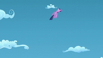 Twilight flies up S5E26