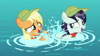 Applejack and Rara splashing each other S5E24