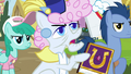 Pearly Stitch complains about Alicorn Twilight S7E14.png