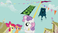Sweetie Belle with arms around flagpole S2E17