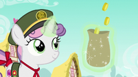 Bits falling in Sweetie Belle's bag S6E15