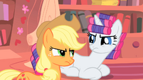Rarity and Applejack almost argue again S1E08