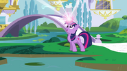 Twilight about to teleport S3E01