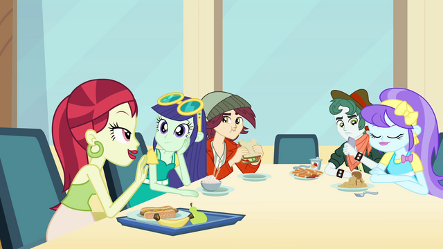 File:Fashionista table EG.png