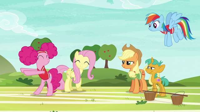 File:Pinkie Pie dancing with joy S6E18.png
